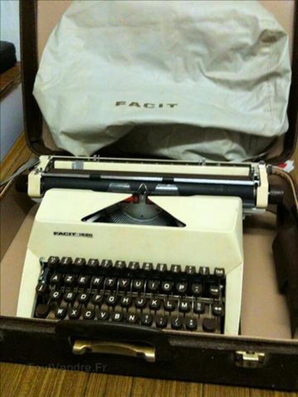 Machine à écrire FACIT 1620 4566