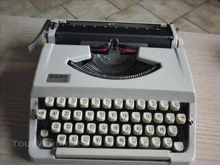 Machine à écrire JAPY L.72