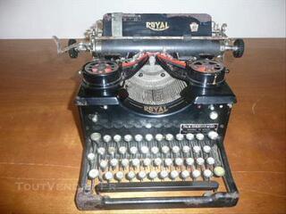 Machine à écrire manuelle ROYAL 1950
