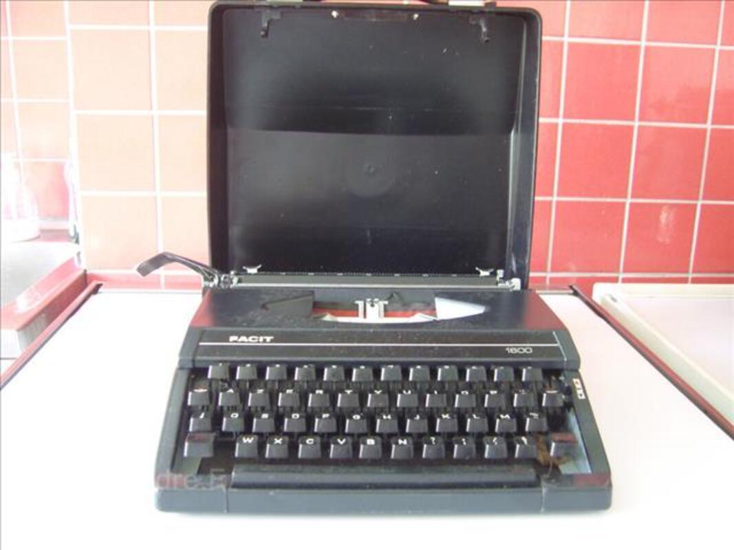 Machine à écrire 88344278