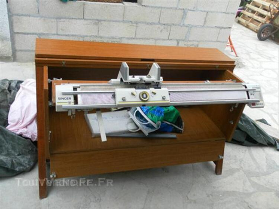 Machine à tricoter électrique avec son meuble,SINGER 43789602