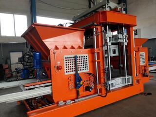 Machine mobile à blocs de béton SUMAB E-12 SUÈDE