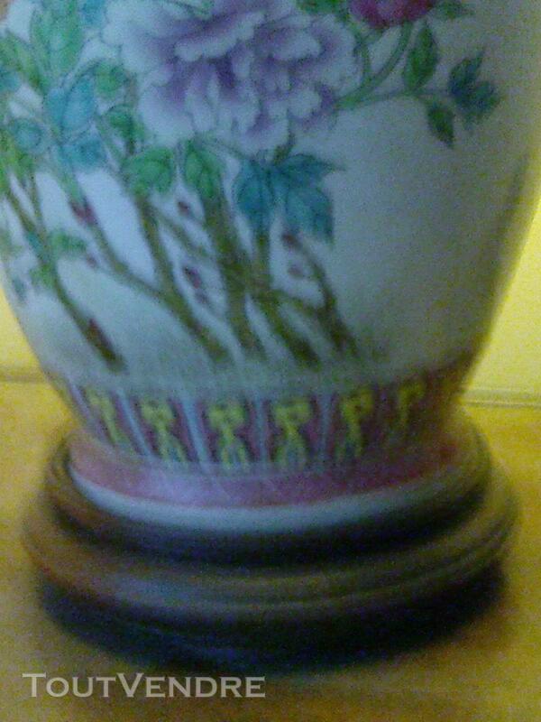 Magnifique lampe en porcelaine 257176826
