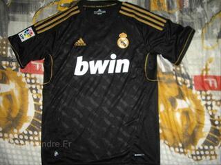 Maillot real madrid 2011-2012 neuf M floqué Ronaldo