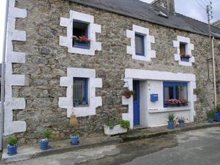 Maison bretonne meub 30MN mer, ds petit village, près villes
