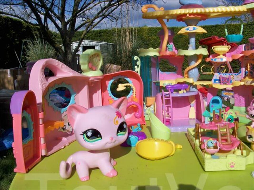 Maisons pet shop + malette de figurines 104592771