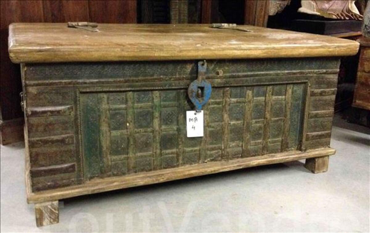 Malle ou coffre ancien avec ferrure - H: 51 cm 97375826