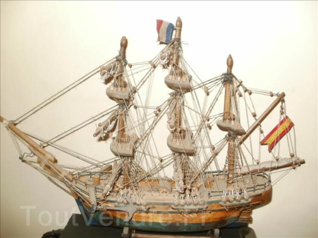 Maquette vaisseau artisanal signée 96748818
