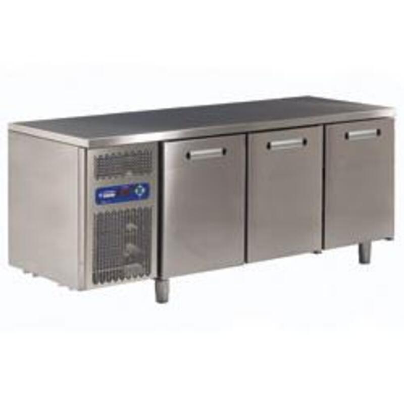 Matériel Horeca Table frigorifique ventilée 3 portes 15858242