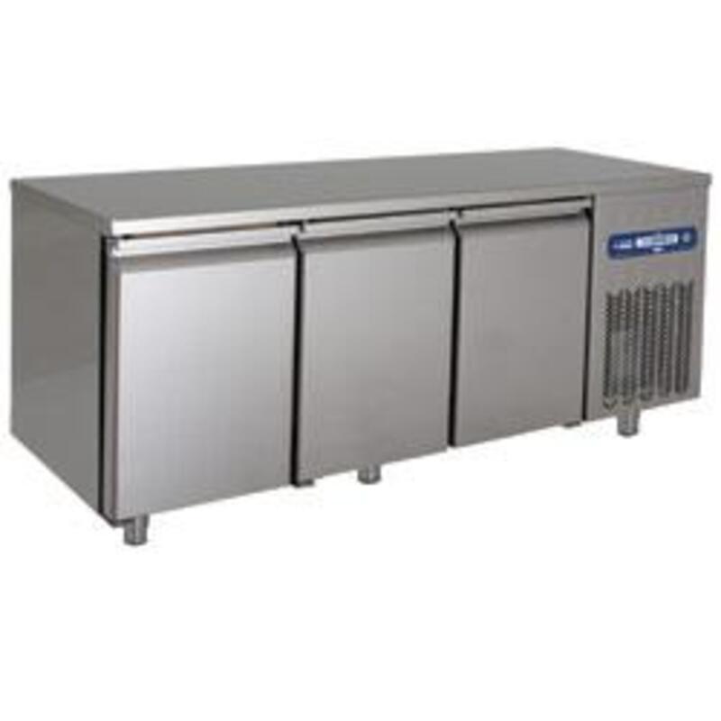 Matériel Horeca   Table frigorifique ventilée 3 portes 15964846
