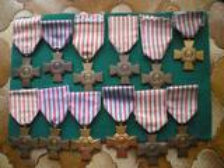 Médailles - Croix du Combattant.