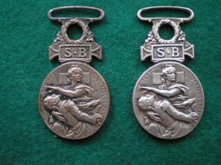 Médailles de la Société de Secours aux Blessés Militaires.
