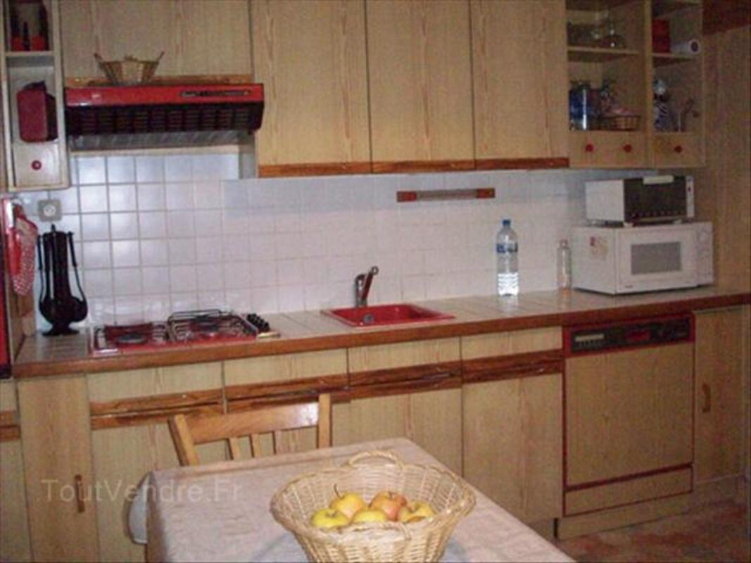 Meubles de cuisine aménagée. 54529220