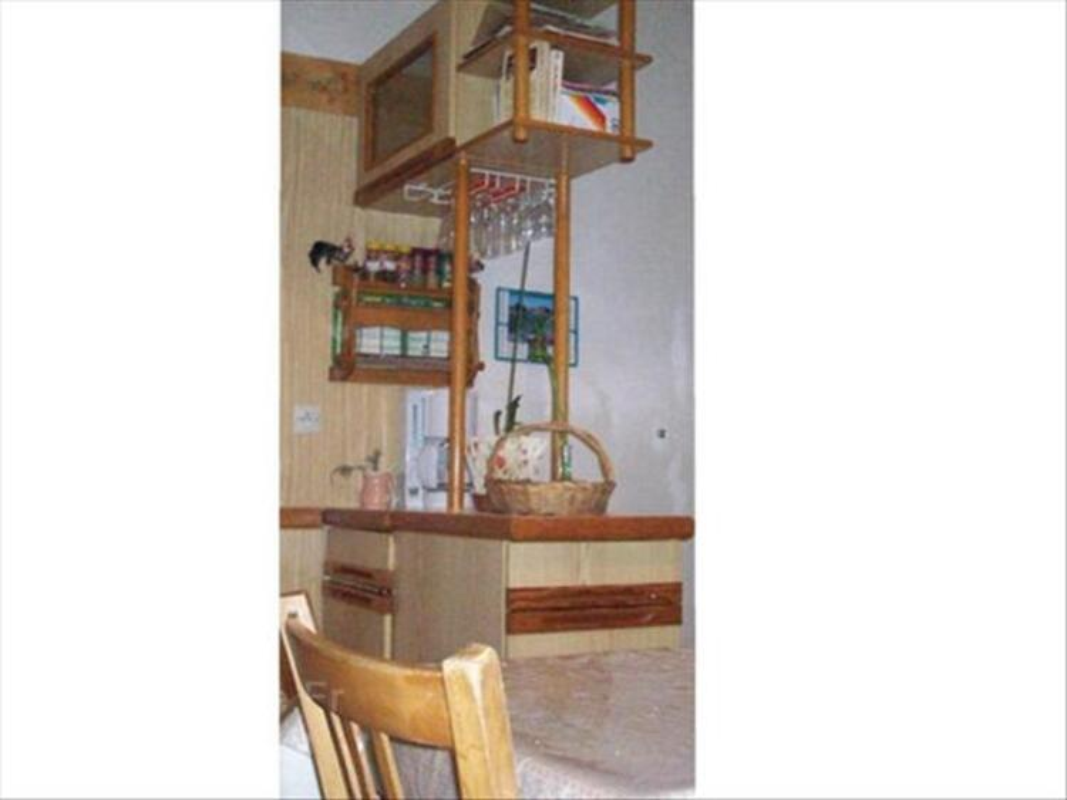 Meubles de cuisine aménagée. 54529222