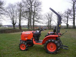 Micro tracteur Kubota B2420