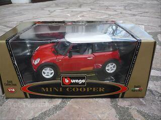 Mini cooper  burago 1/18 gold collection