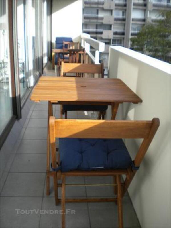 MOBILIER DE JARDIN EN BOIS : TABLE + 2 CHAISES 85571379