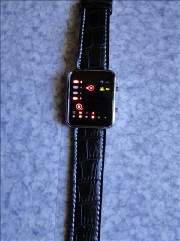 Montre LED noire, affichage rouge, neuve 68487376