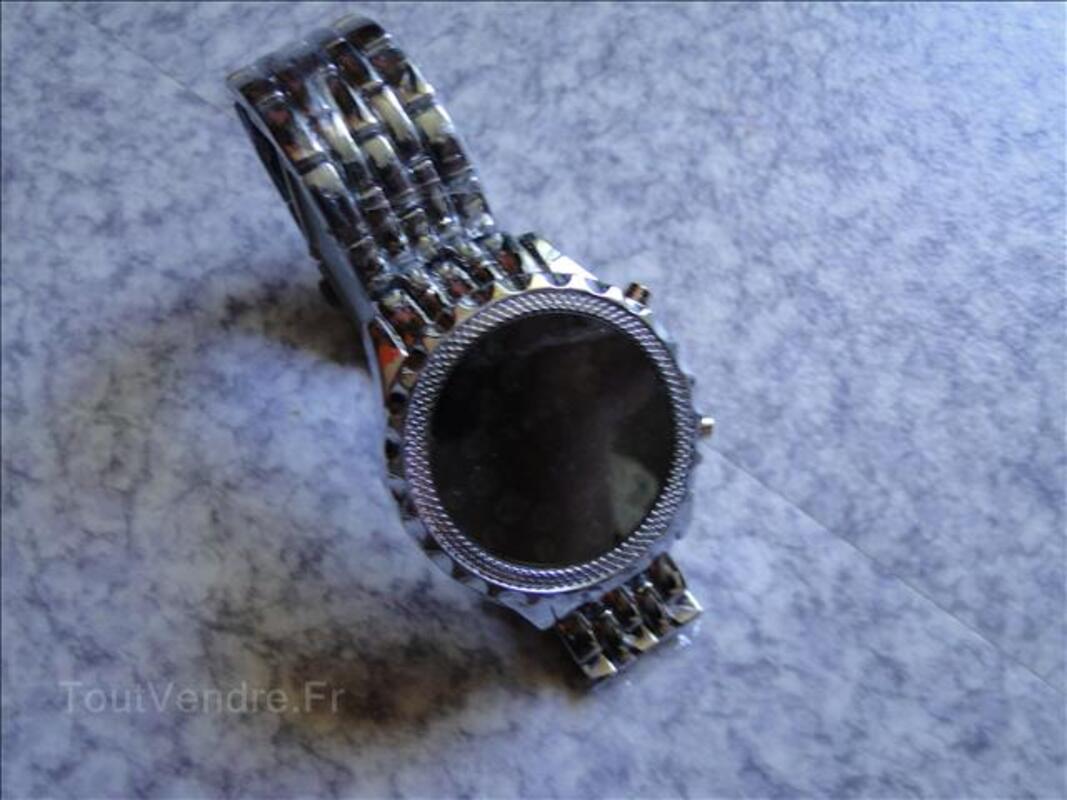 Montre miroir, acier gris, neuve 68487372