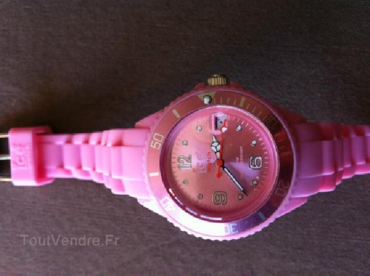Montre silicone style ICE WATCH rose clair Small 38 mm 91879606