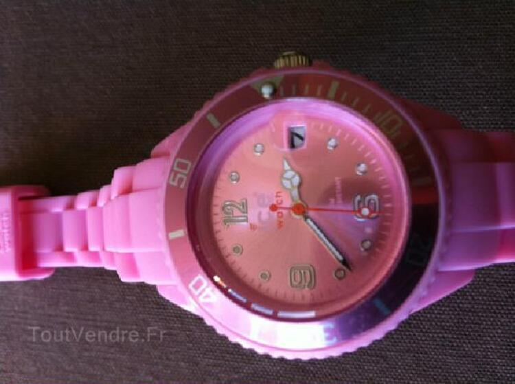Montre silicone style ICE WATCH rose clair Small 38 mm 91879607