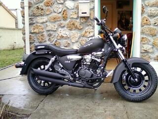 Moto 125 superlight dark