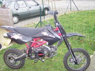 Moto de Cross Dirt Bike modèle TTR 125 cc