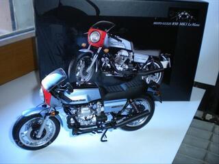 Moto guzzi 850 le mans 1 - 1976  minichamps 1/12