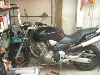 Moto Honda hornet