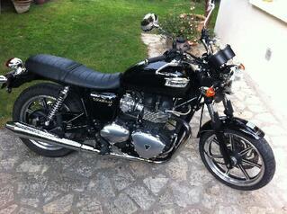 Moto Triumph Bonneville