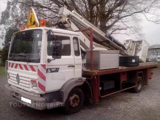 Nacelle 12 m sur camion renault 160