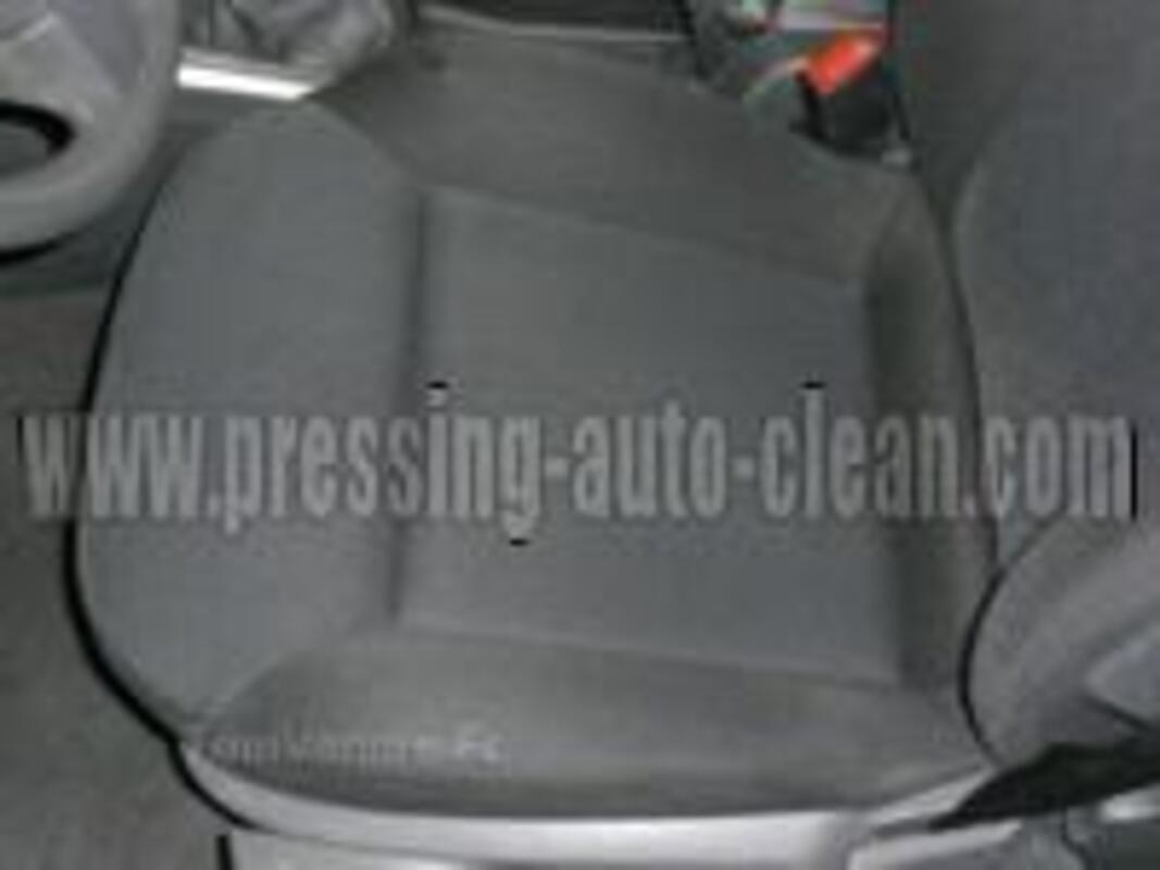 Nettoyage & désinfection d'intérieur de véhicule 32897586