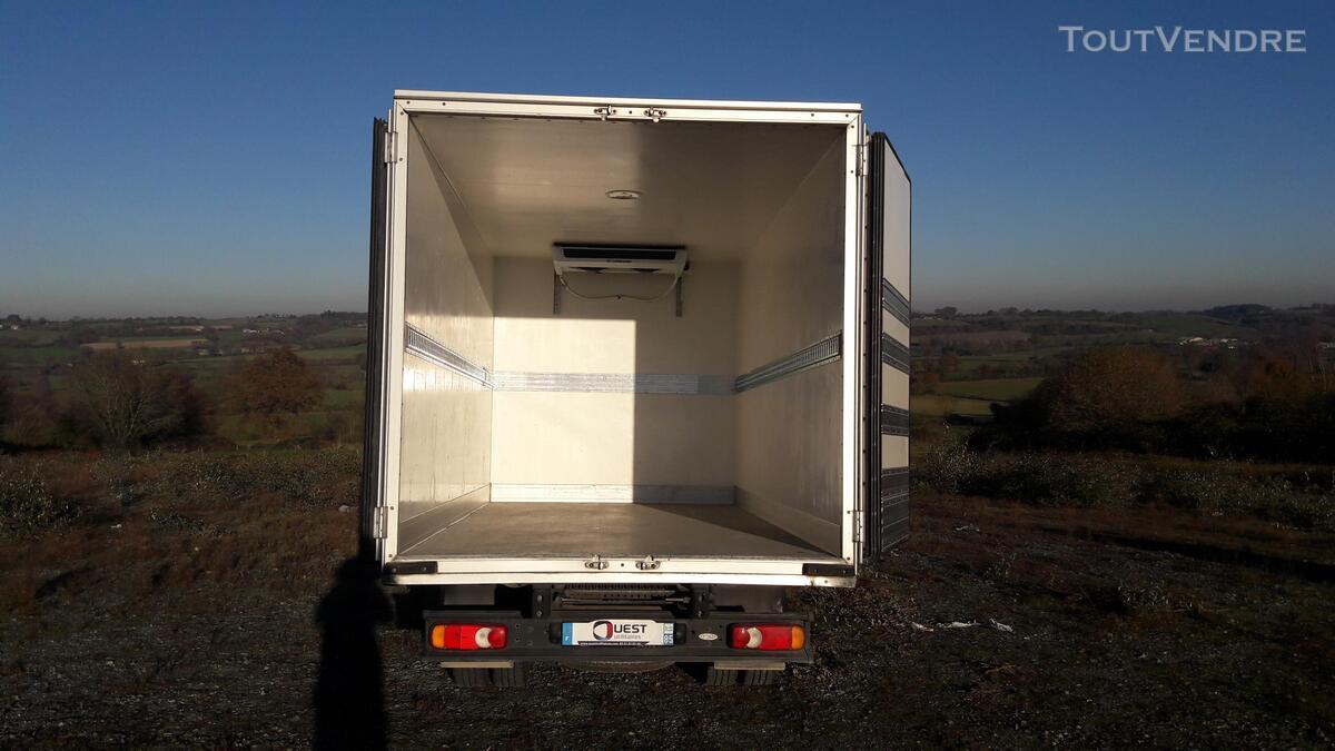 Nissan Cabstar frigorifique 158794514