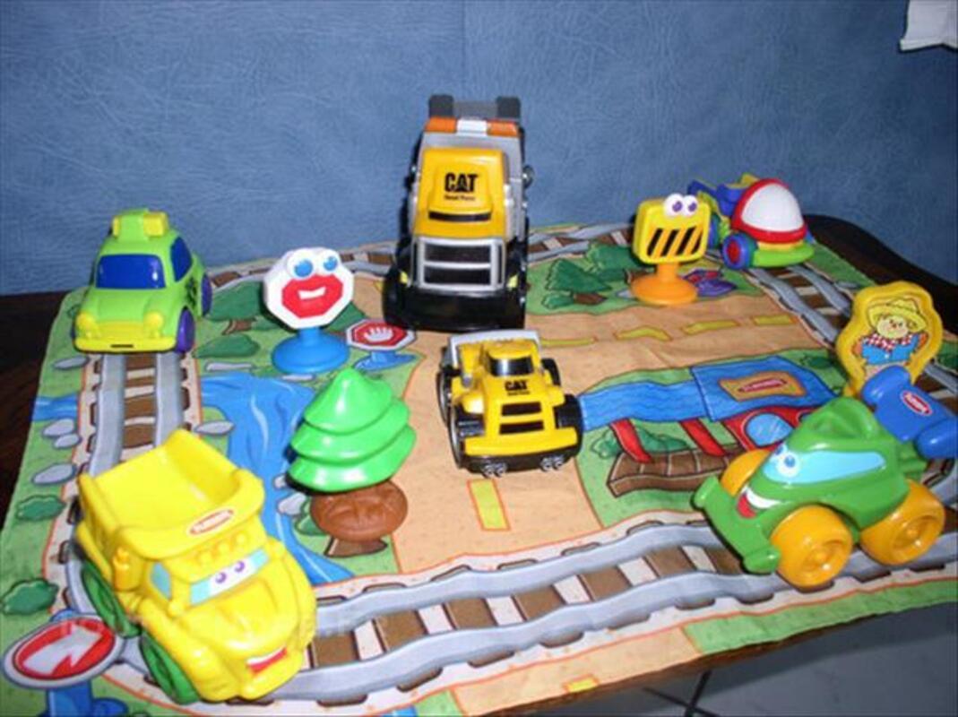 Nombreux jouets  des 18 mois 85437377