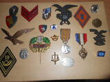 Objets militaires - insigne Medaille - broche - plaque