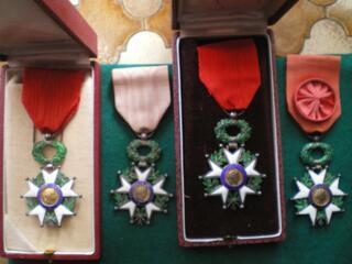 Ordres de la Légion d'Honneur - 4° République.