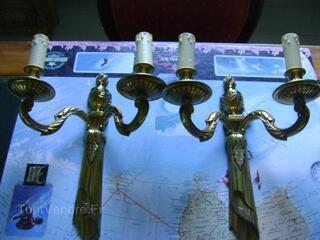 Paire d'appliques en bronze doré de style Louis XVI