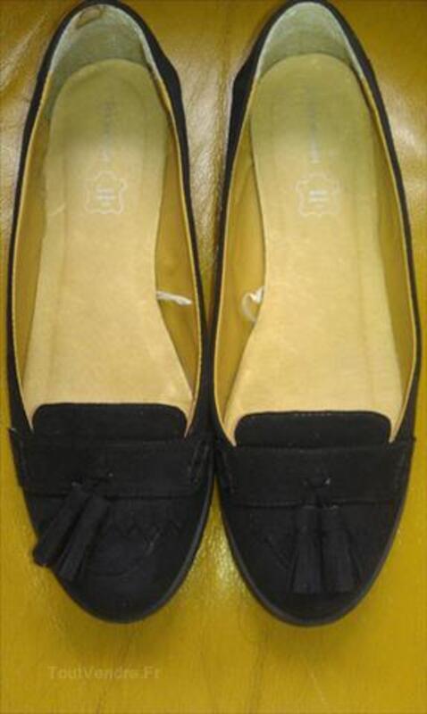 Paire de chaussures noires pour femme 71072055