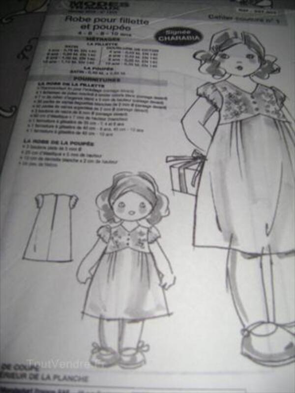 Patron de couture enfant : ROBE pour FILLETTE et POUPEE 66105646