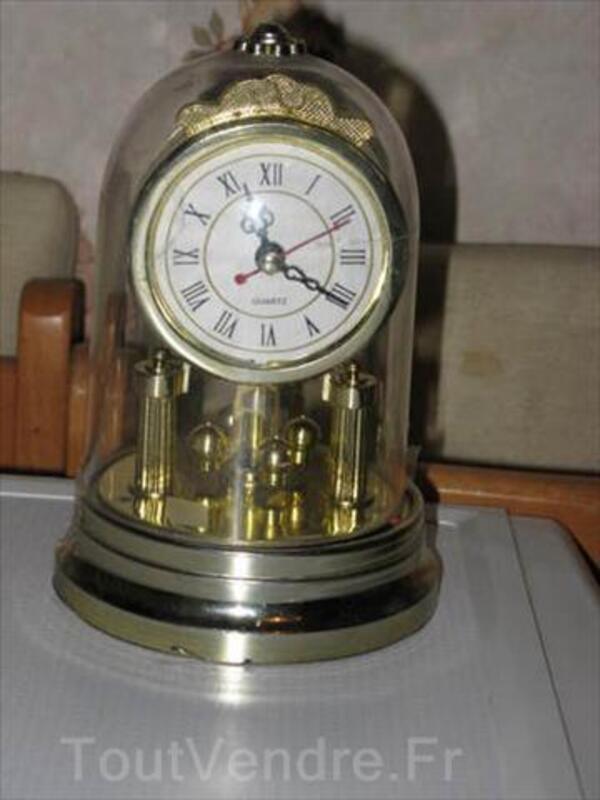 Pendule à poser à quartz, sous verre 54463702