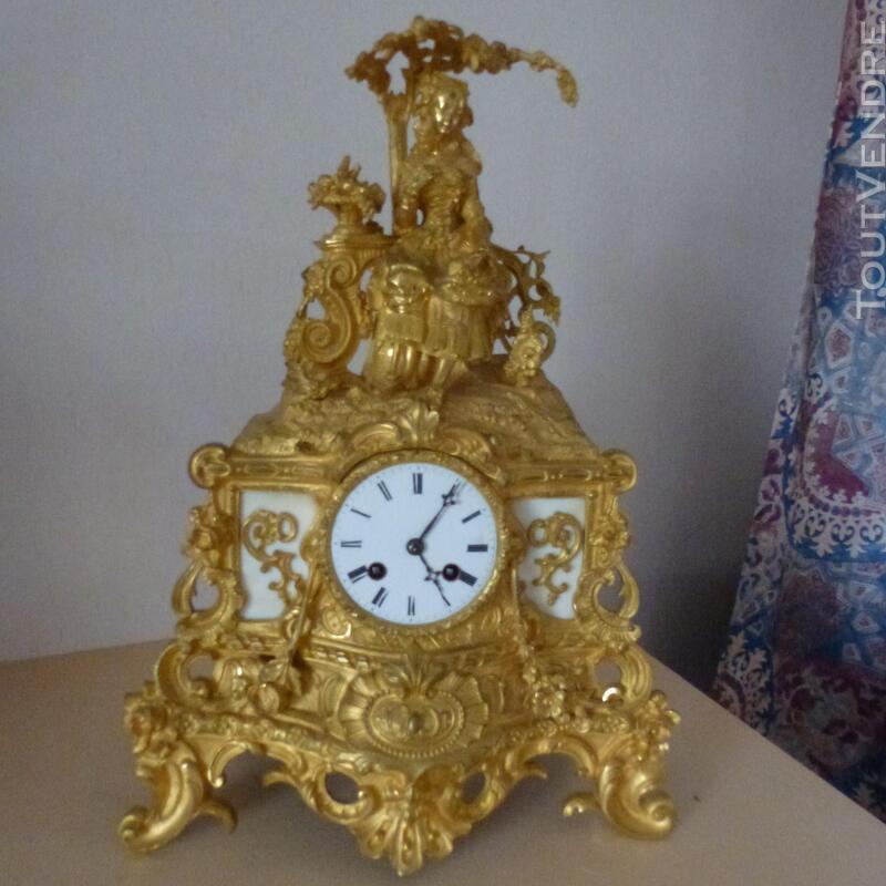 Pendule bronze doré 190896469