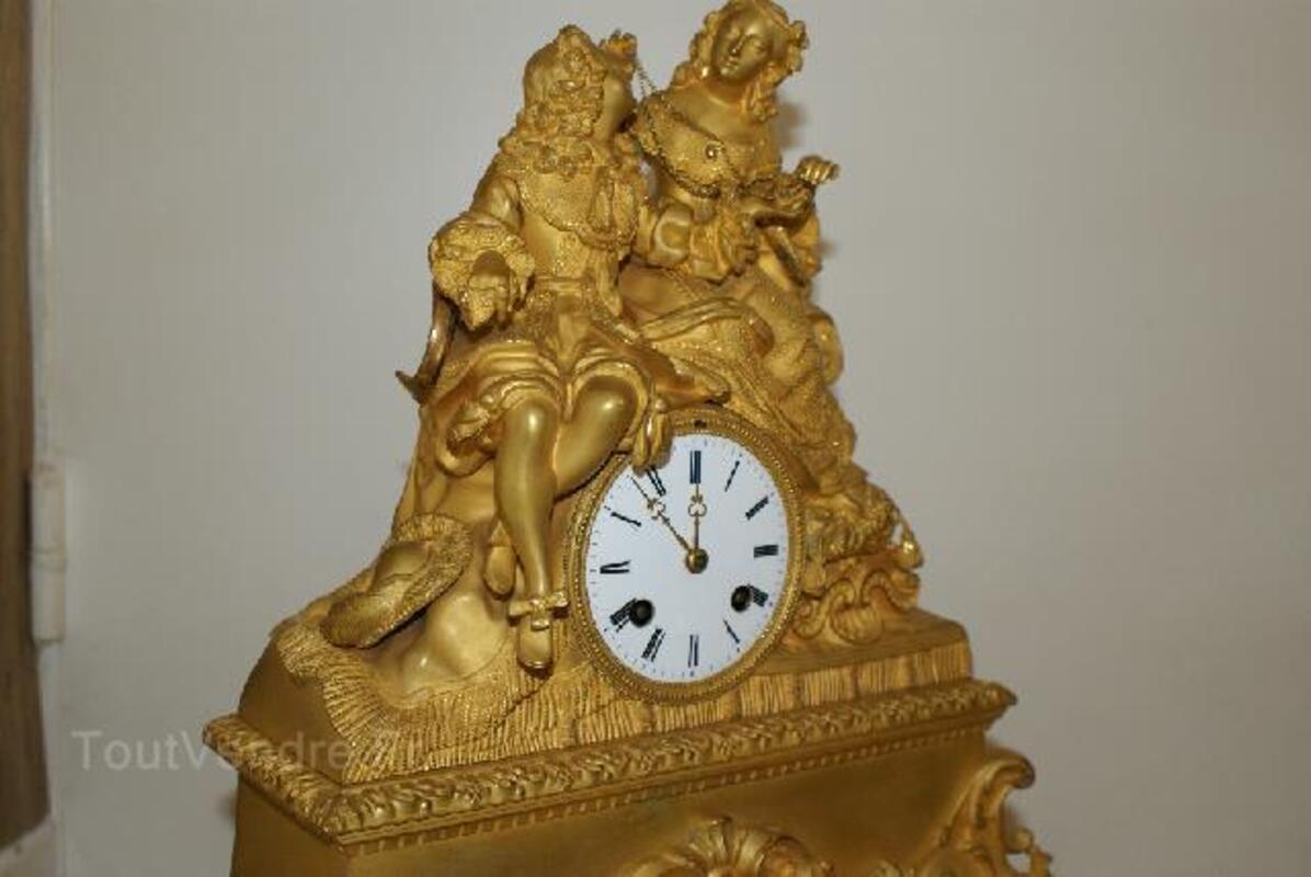 Pendule bronze doré 97240011