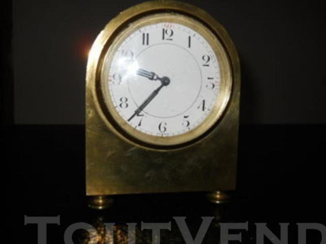 Pendule de bureau ancienne en bronze 84049038