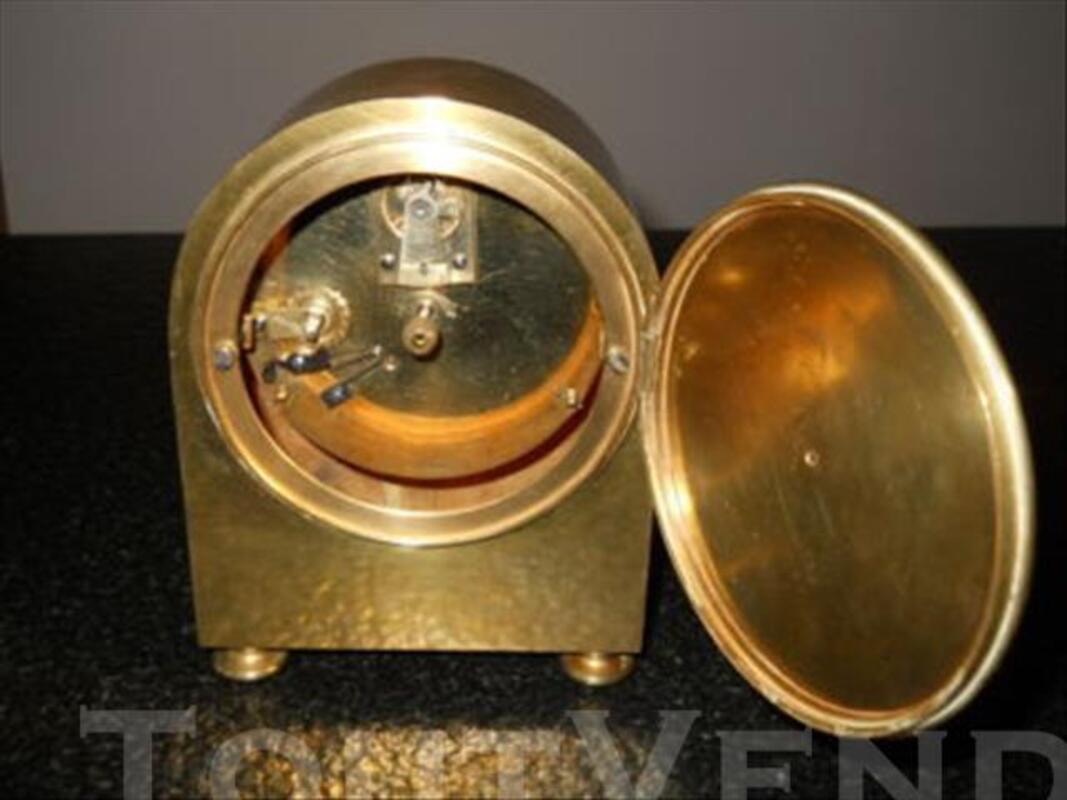 Pendule de bureau ancienne en bronze 84049039