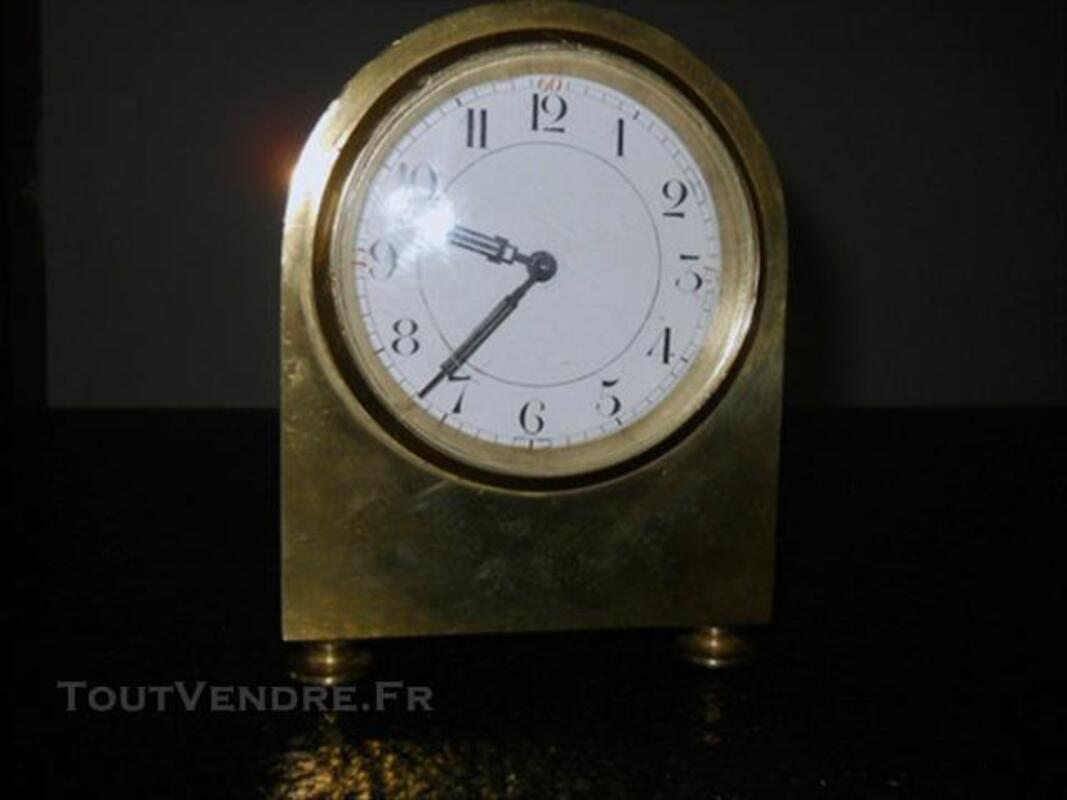 Pendule de bureau ancienne en bronze 84049040