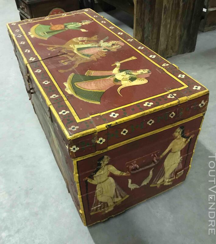Petit coffre ou malle de rangement peint - H: 42 cm 684919644