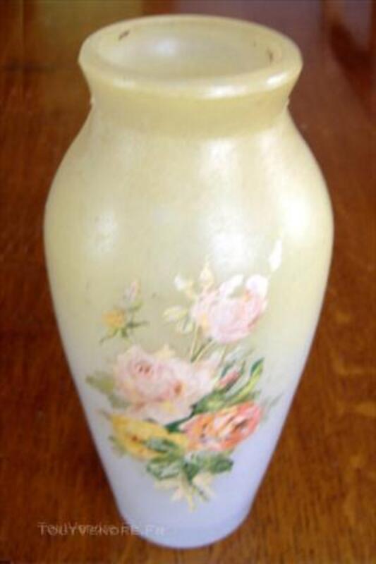 Petit VASE Ancien peint des débuts 1900 en verre moulé 44955298