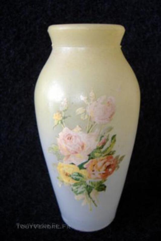 Petit VASE Ancien peint des débuts 1900 en verre moulé 44955299