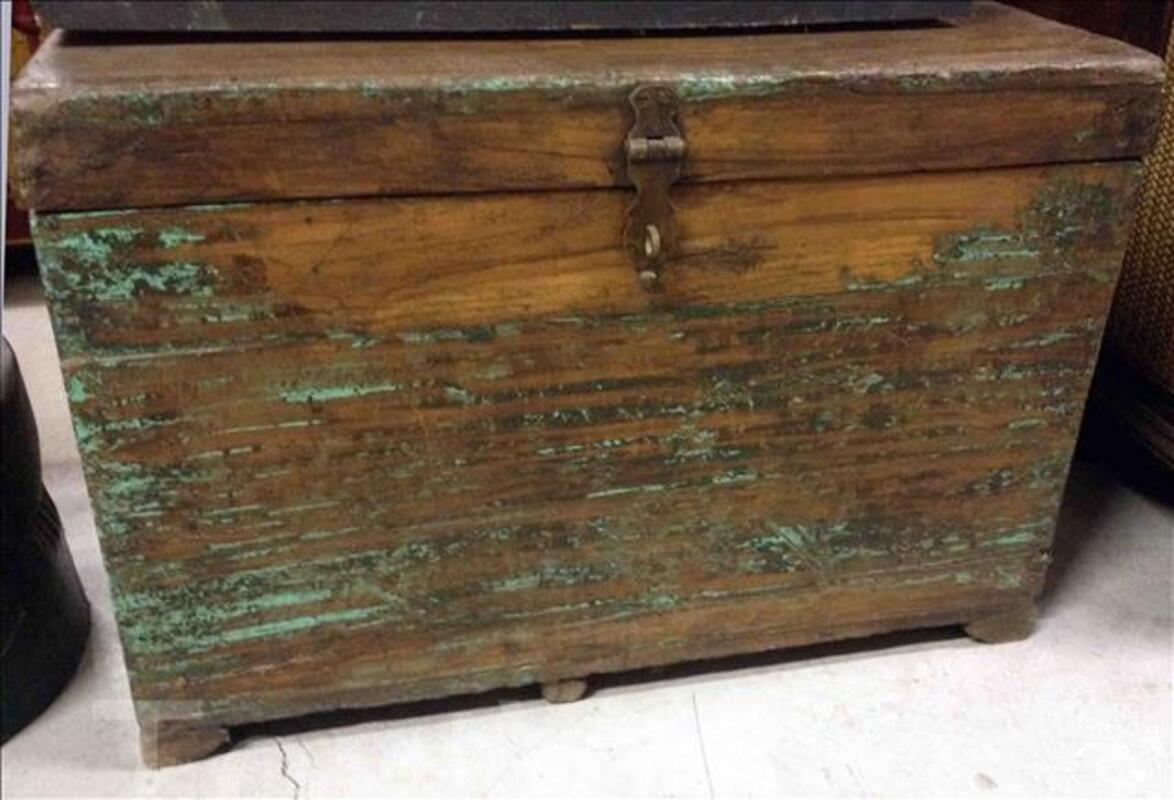 Petite malle ou coffre en bois - H: 40 cm 95590393