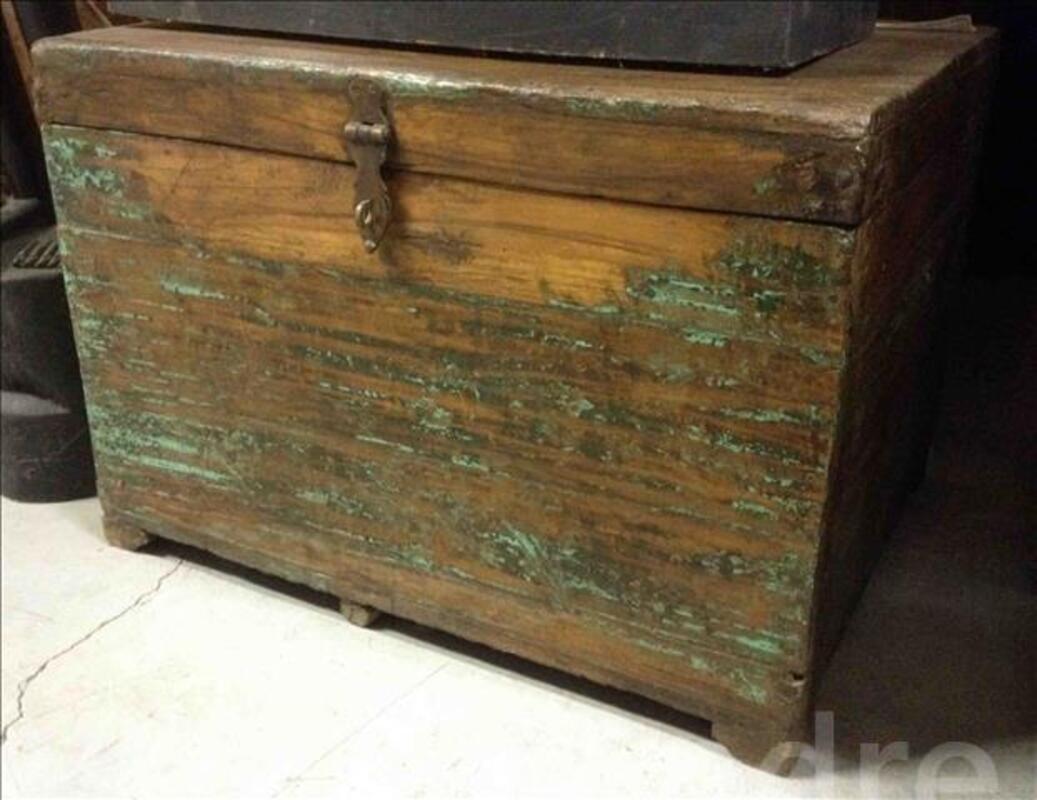 Petite malle ou coffre en bois - H: 40 cm 95590394